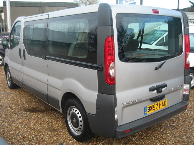 Vauxhall Vivaro Lwb 9 Seater Minibus People Carrier