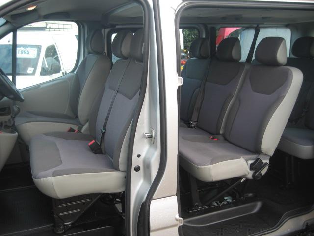 Vauxhall Vivaro Lwb 9 Seater Minibus People Carrier