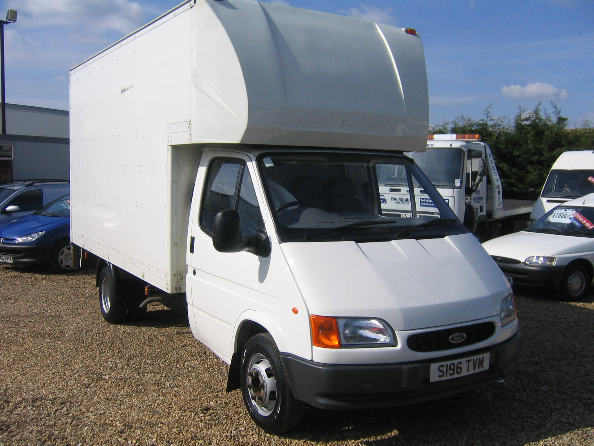 9c75b086298d9a Ford Transit 190 EX LWB Luton With tail lift For Sale in Buckinghamshire
